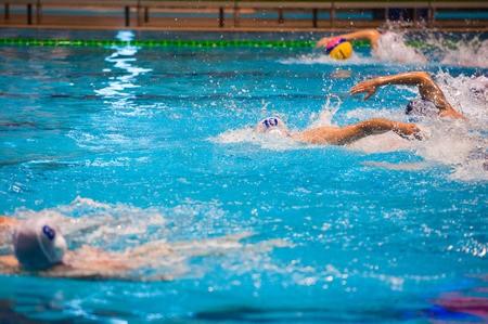 陸上選手や水泳選手のパフォーマンス向上